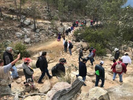 Encuentro histórico entre el pueblo wixárika de Santa Catarina Cuexcomatitlán y el Gobierno de México