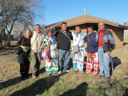 Reunión de wixaritari y miembros de la Iglesia Nativa Americana - Fotógrafia ©Tracy Barnett 2011